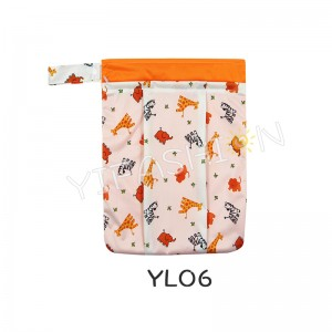 YIFASHION BABY 1pc Reusable Wet Dry Cloth Diaper Swimsuit Bag, Waterproof PUL for Damp Clothes(giraffe prints) YL06